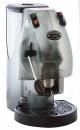 Transparentní provedení je ideální pro milovníky technického designu. Kouřově šedý a průhledný plášť kávovaru dává vyniknout celému vnitřnímu mechanizmu.