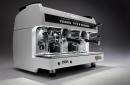 Na přípravu excelentního espressa je vhodné mít k dispozici špičkový kávovar. Wega Sphera je jistě jednou z možných a námi doporučovaných variant.